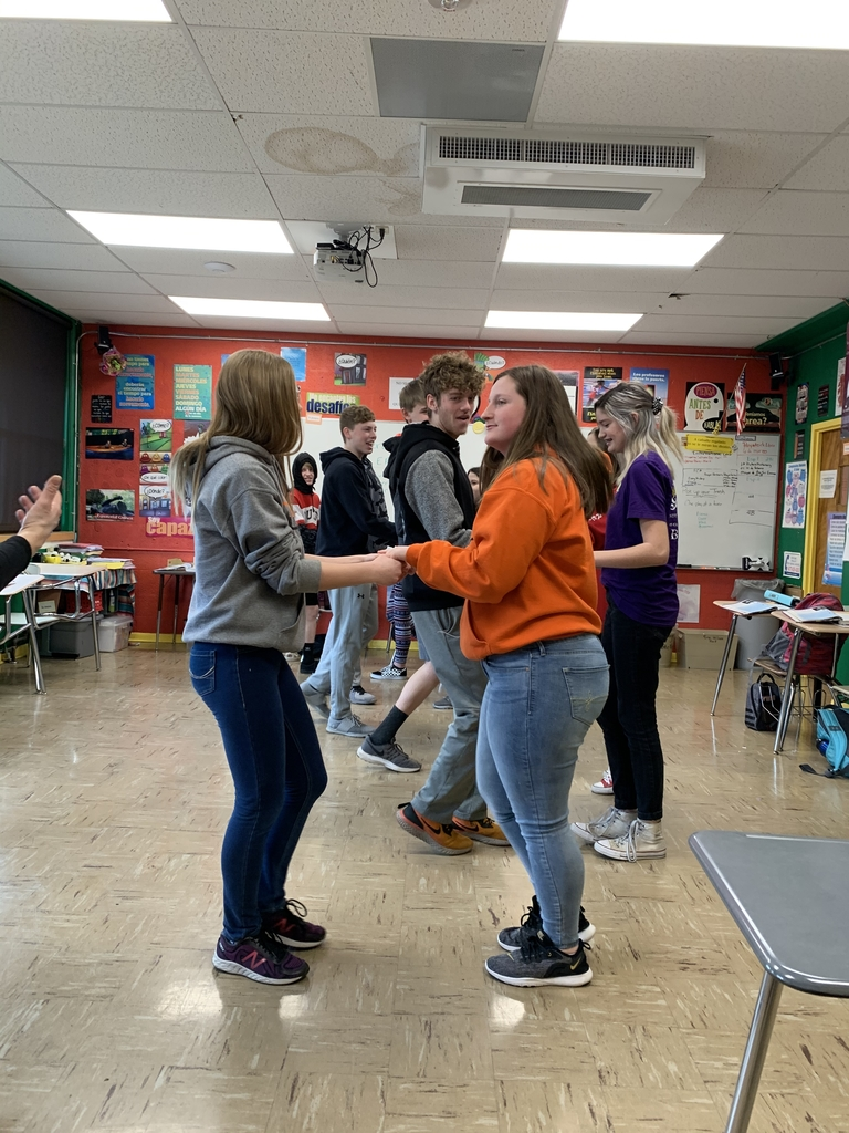 Spanish 1 students learning to dance